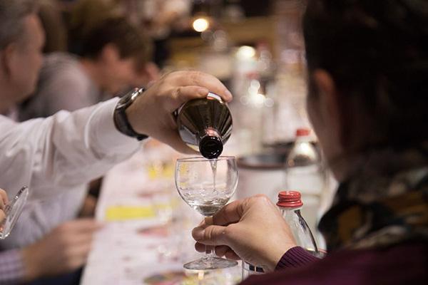 Impressionen eines Spirituosen-Tasting Events der WeinStrecke